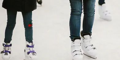 ADULT LEARN TO SKATE, Ages 19+